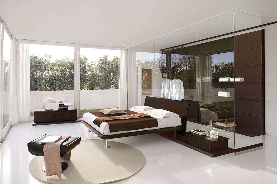 Amazing-White-Small-Bedroom-Contemporary-Italian-Bedroom-Furniture-Design